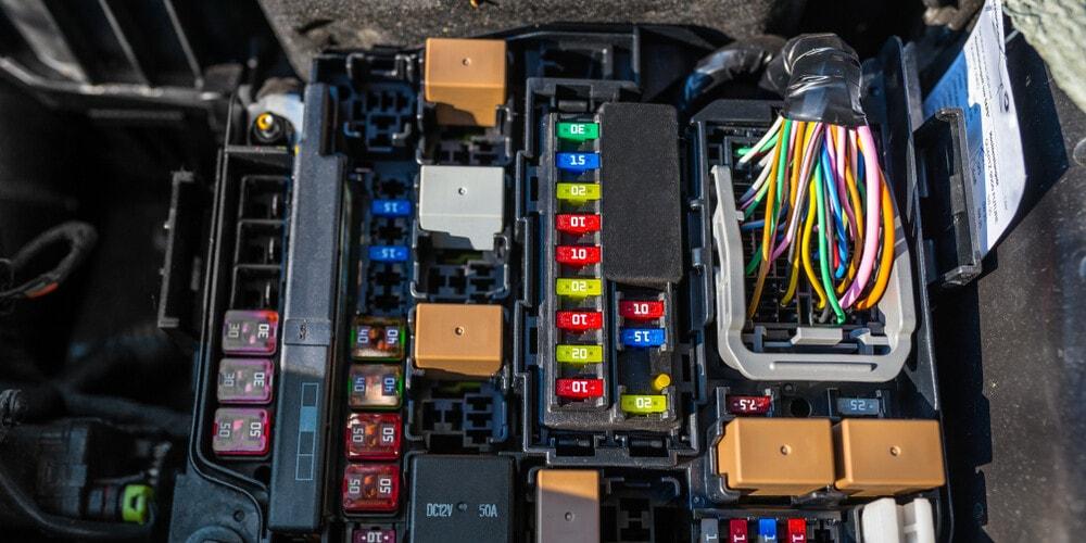 Caja de fusibles de relé